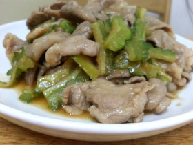 ゴーヤと豚こまの味噌炒め