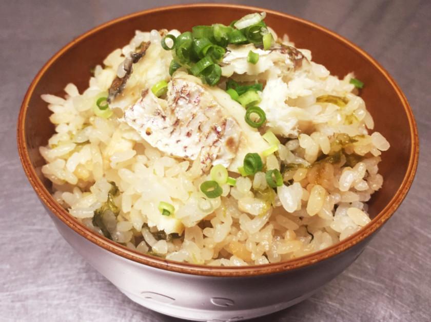 真鯛とあおさの炊き込みご飯