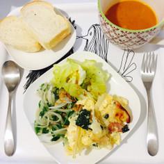 玉ねぎと豆苗 アンチョビのサラダ