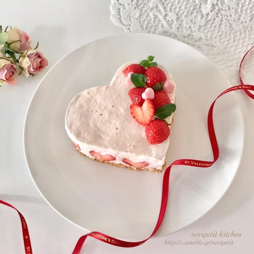 簡単♡ストロベリーチョコレアチーズケーキ