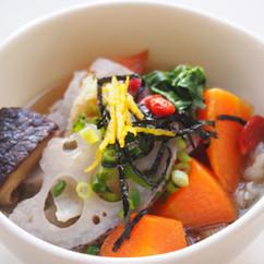 根野菜と高野豆腐の揚げスープ