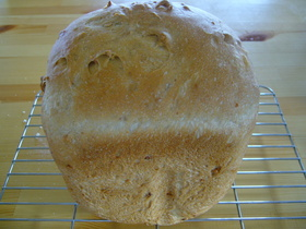 HBに任せっぱなし食パン