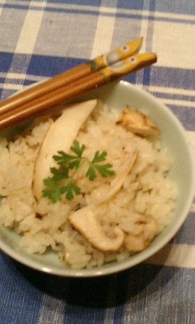 風味豊かな松茸ご飯♪