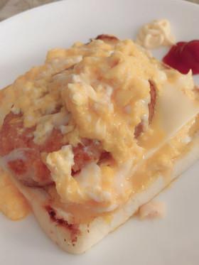 簡単 卵のせ食パン♡