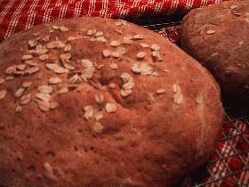 オーツがたっぷり入った田舎パン