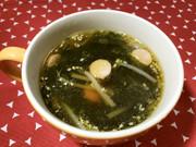 美人レシピ・ウインナーとわかめのスープの写真