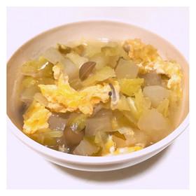 胃に優しい大根とキャベツのコンソメスープ