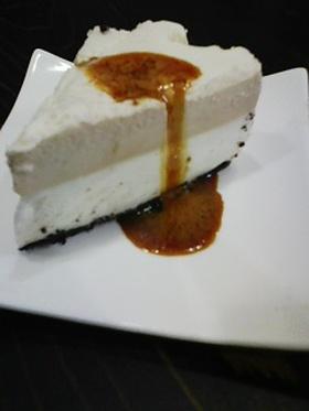 ヨーグルトとキャラメルのムースケーキ