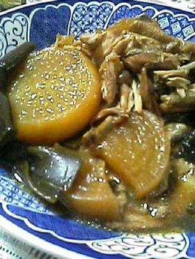 圧力鍋で☆手羽中と大根と結び昆布の煮物