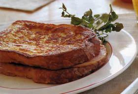 満足朝ご飯♬甘くないフレンチトースト