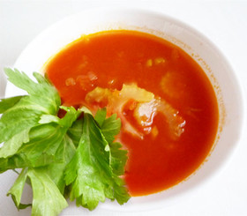 セロリと玉ねぎのトマトスープ