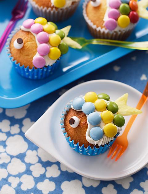 ホイップマリームで鯉のぼりカップケーキ