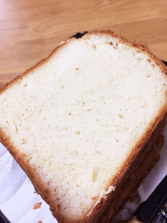 ふわふわモチモチ手作り食パン