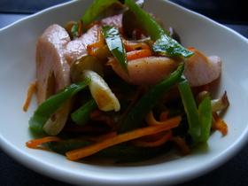 魚肉ソーセージの野菜炒め