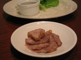 煮豚のレタス巻き