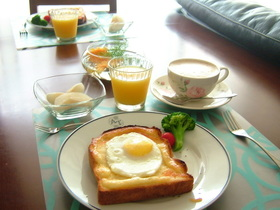 ♪簡単朝食!サニーサイドアップトースト♪