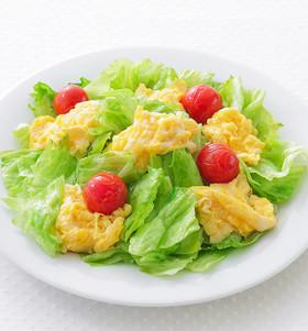 ふわふわ卵とシャキシャキレタスのソテー