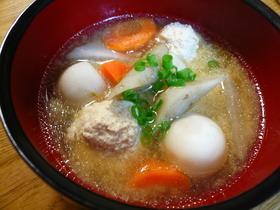 根菜と鶏肉だんごのお味噌汁