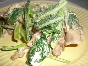 豚肉と小松菜のにんにく醤油マヨ炒め