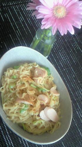 インスタント麺でインドネシア風やきそば♪