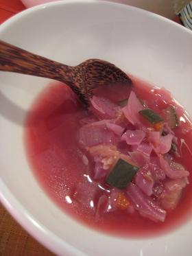 ピンクのスープ