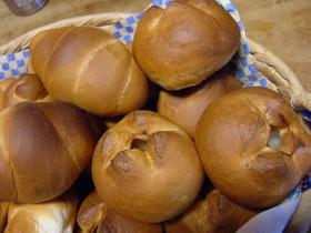 りんごパンとバターロール