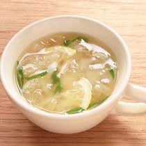 ピーラー大根のレモンコンソメスープ