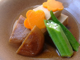 高野豆腐とオクラの炊き合わせ