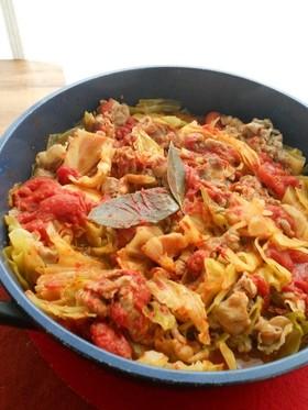 キャベツと豚肉のトマト缶煮