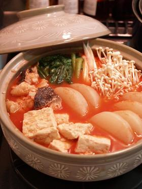 真鱈と大根のさっぱりトマトジュース鍋