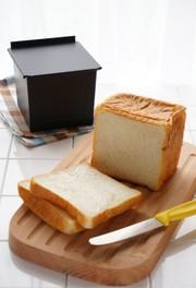 基本の角食パンの写真