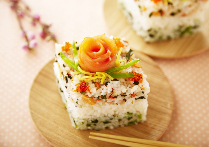 パーティーに♪混ぜ込みひな祭り寿司ケーキ