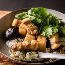 台湾風パクチー魯肉飯