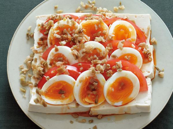 冷やっこ ゆで卵、トマト、ザーサイのっけ