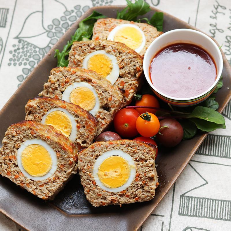 ゆで卵たっぷり!野菜多めのミートローフ