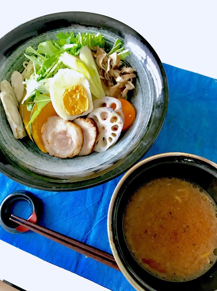 蒸し野菜たっぷり!ゆず風味噌つけ麺