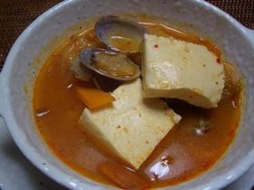 体がホッカホカ アサリとお豆腐のチゲ