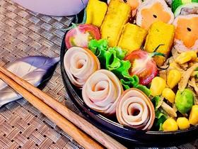 弁当に★簡単ハムと餃子の皮で薔薇の花