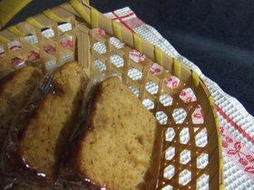 黒糖とりんごジャムのケーキ