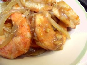 ベトナム風 エビのタマリンドソース炒め