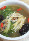 ナツメ入り白菜ロールスープ