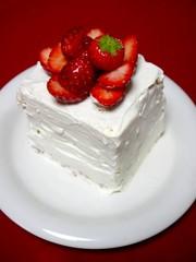 大人ホワイトデー!もこもこショートケーキの写真