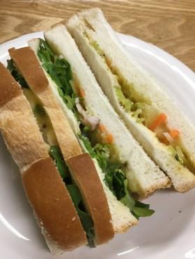 ポテトサラダとカイワレ菜のサンドイッチ