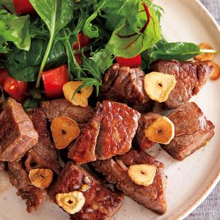 「うま塩ねぎだれ」で牛肉のひと口ステーキ
