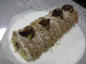 渋皮マロンのロールケーキ