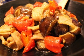 ご飯が進む♡簡単♪なすと豚バラの味噌炒め