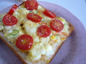 ポテトサラダのピリっトマトースト