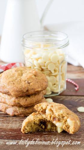 ホワイトチョコマカダミアクッキー
