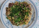 お肉と玉ねぎ炒め卵とじ。葱のせ。