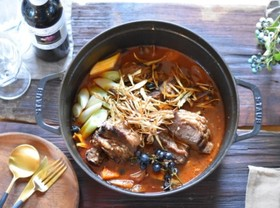 【ジビエ】山梨産猪肉のフレンチボタン鍋